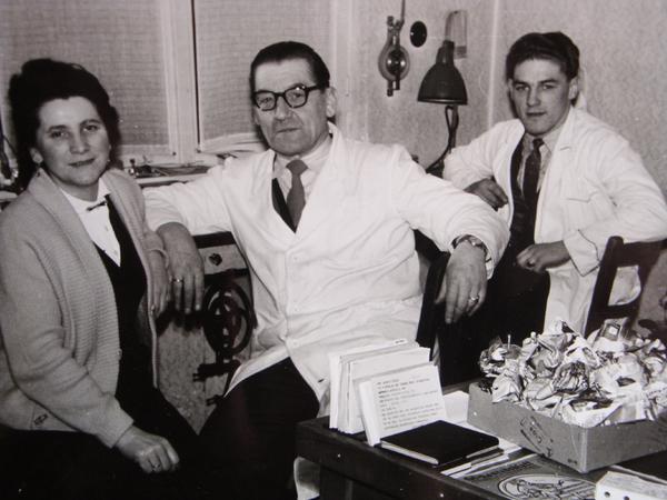 Heinrich Schell mit Frau Josefine und Sohn Egon